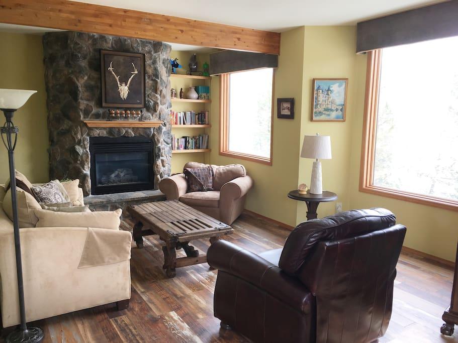 Living room 2. Gas fireplace. Mountain views.