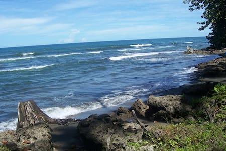 The Hideout, 150m to Beach - Cahuita
