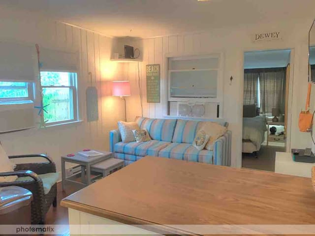 North Dewey Beach oceanside condo