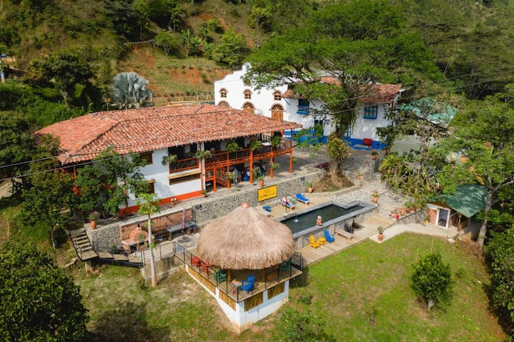 Finca la Manchuria - Authentic and Original Lodge