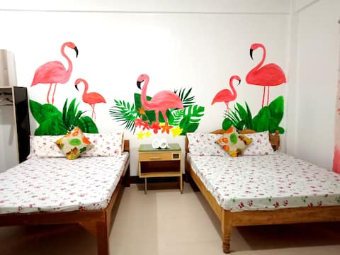 ★Big Fan Room★Flamingo Theme★Private Beach★