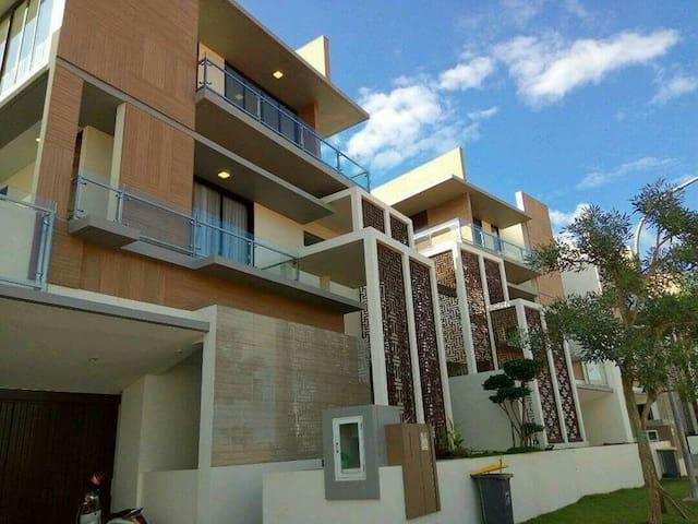 Luxury house at Citraland Megah Batam.