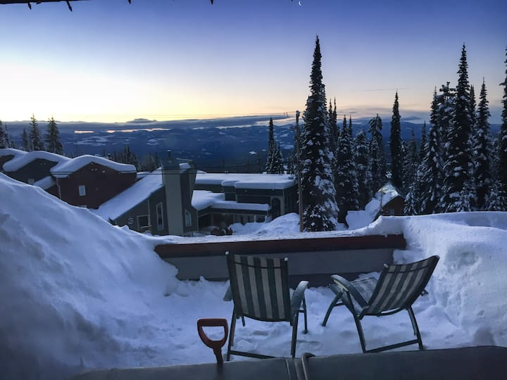 Big White Condo with Private Hot Tub and a View