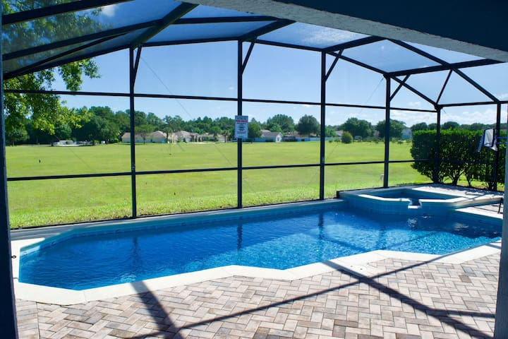 Close to Disney, Private Pool and Spa, Refurbished