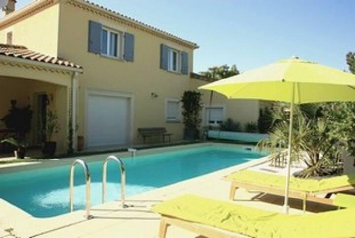 ProcheToulouse. Belle villa de 150 m2 avec piscine
