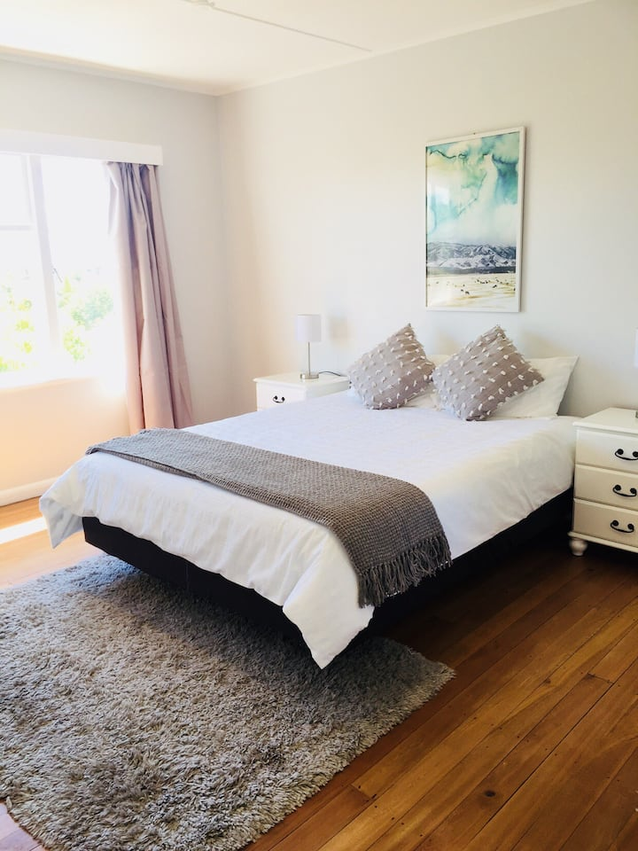 Private Tahunanui holiday home