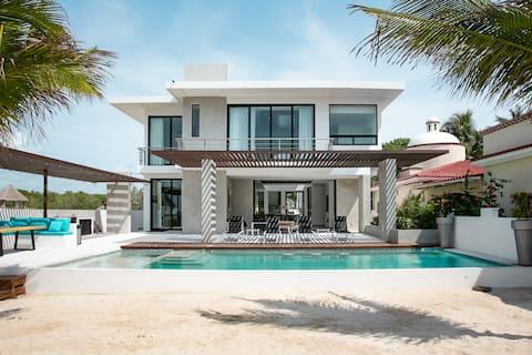 Villa Carrera