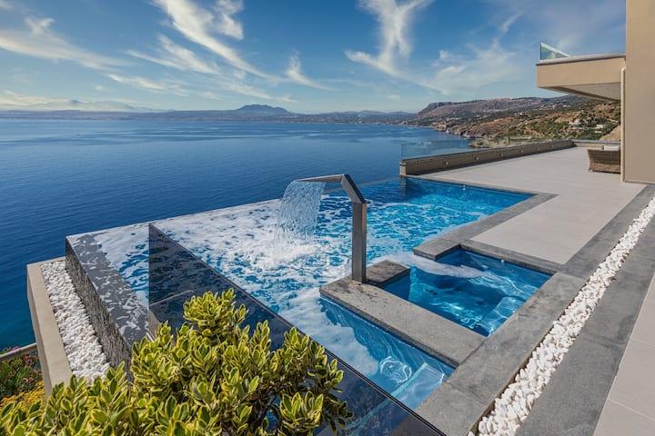 Amfitriti Luxury Villa - The Heart of Crete❤️