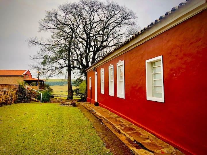 Fazenda centenária de café com cachoeira - Piraju