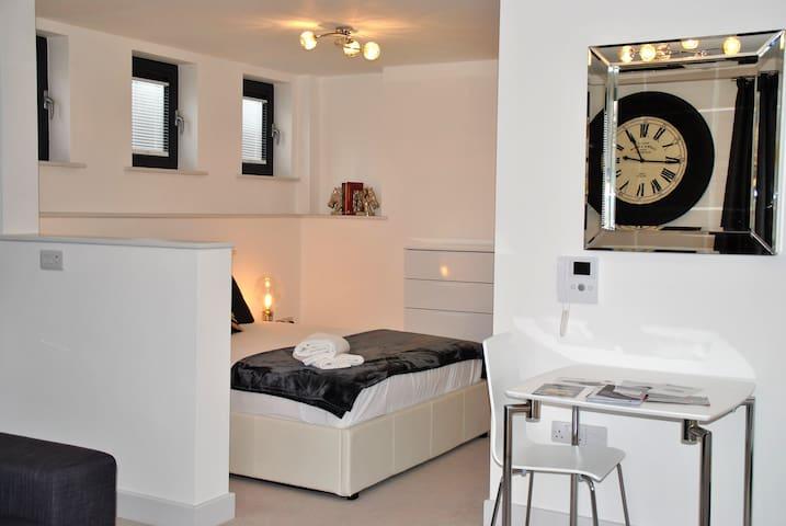 15 Sheet Street - Windsor - Apartment