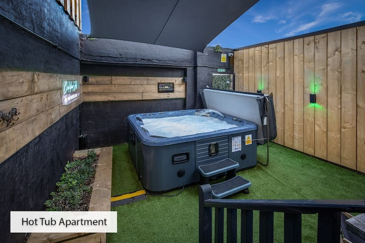 Hot tub apartment @ ApartHotel421 on the seafront