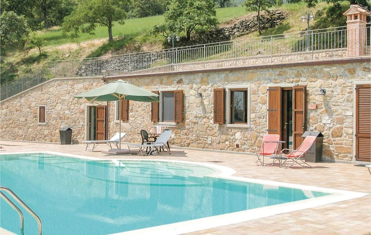 Holiday cottage with 2 bedrooms on 70m² in Sansepolcro AR