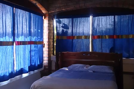 lake view,spacious nice room p/bath - Suchitoto - Bed & Breakfast