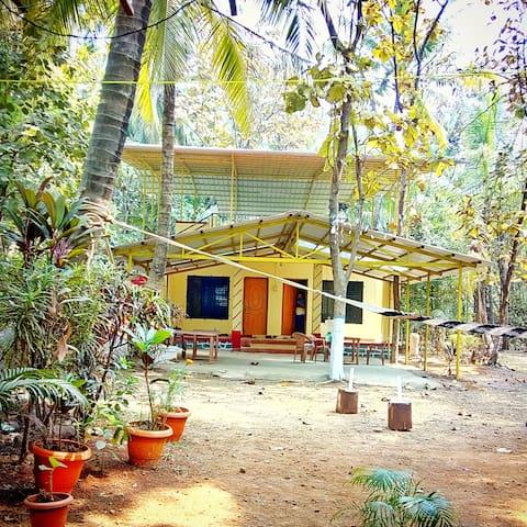 Beach View Cottages, Akshi, Alibaug