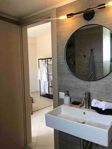 Full en suite bathroom located within the largest of the 3 bedrooms