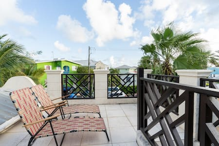 Lovely, affordable home located near south coast.