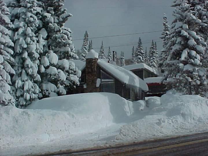Solitude & Brighton Ski Cabin - Big Cottonwood Cyn