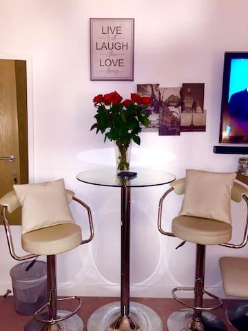 Double Bedroom with en-suite - London - Apartment