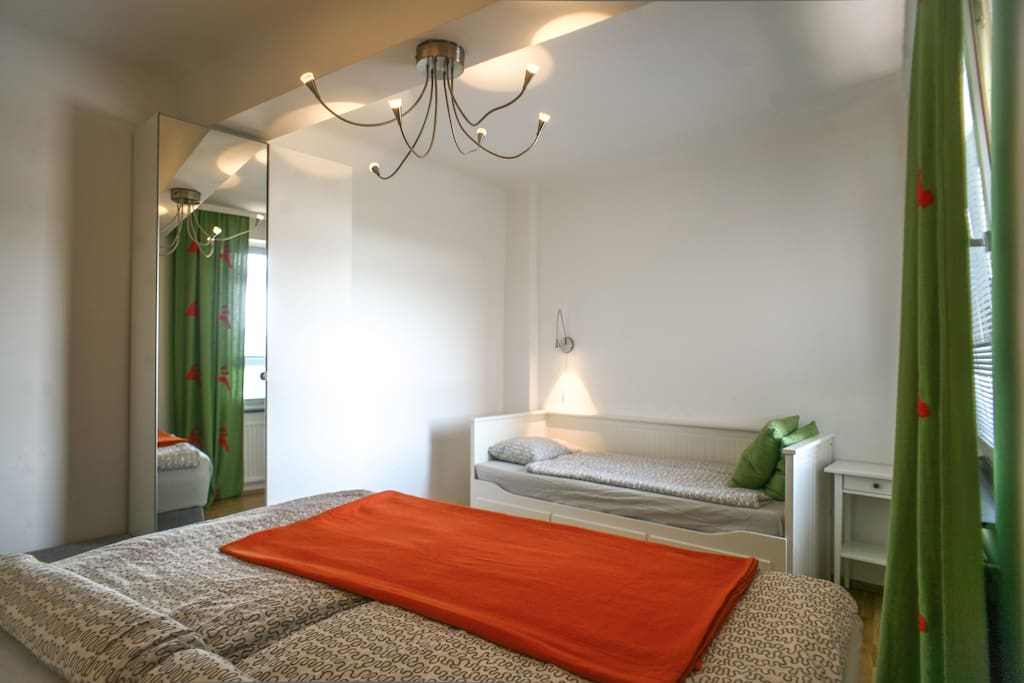 Bedroom 2 with extra-(double)-bed