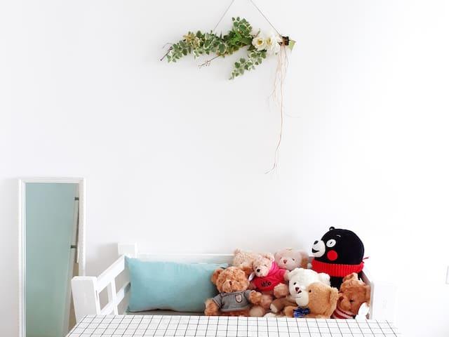 【喜舍•悟】小熊主题房|纯白的波希米亚风格装修,阳光充沛。近椰风寨、曾厝垵、厦大、瑞景、软件园
