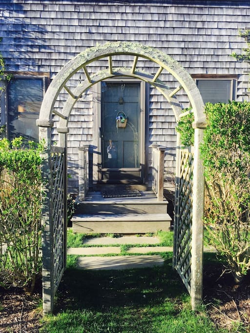 Charming front entrance