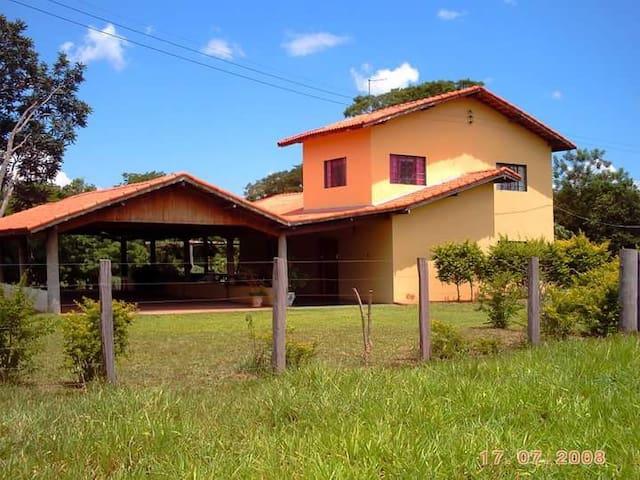 casa na Fazenda a beira do rio formoso - Bonito - Cabaña