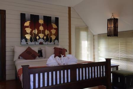 Pai Vintage Garden Resort - Suite - Pai