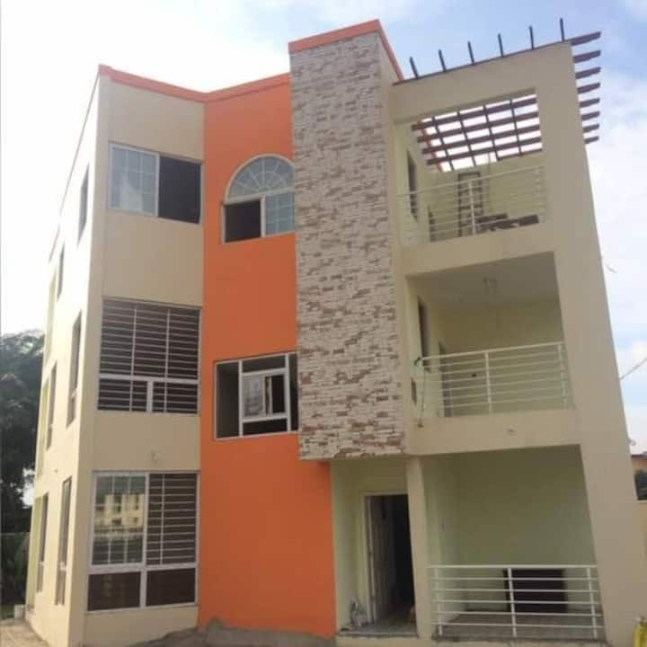 Upscale Eco-friendly 3-floor, 4-bedroom townhouse