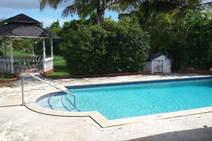 pool & gazebo
