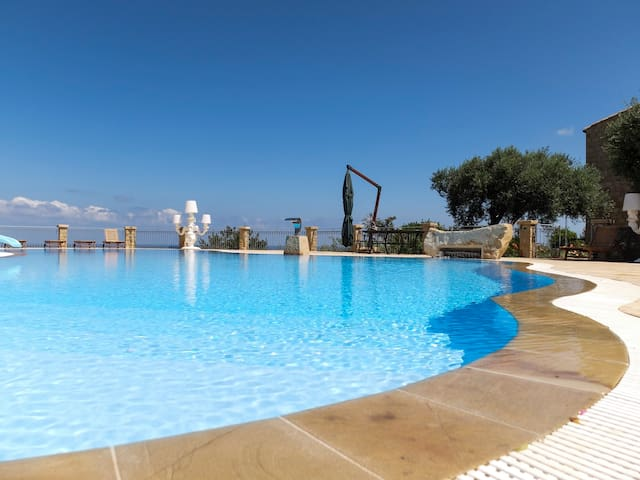 Agriturismo Le Terrazze sul Tirreno, two rooms apartment with sea view