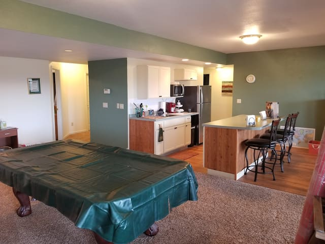 Home on the Range - 3Bed/1Bath - Great Views!