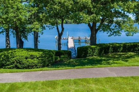 Waterfront Estate with Pool, Pier & Privacy