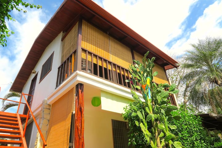 Jaco Beach Best Location (The Chalet)