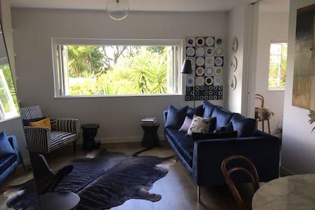 Ponsonby Designer Art Deco Apartmt - Auckland