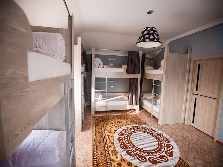 Комната Медеу - Кровать №17