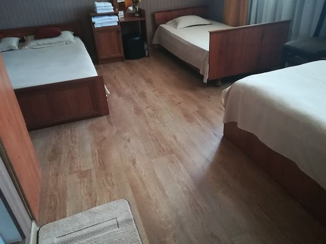 Golden Gate, comfortable quadruple room