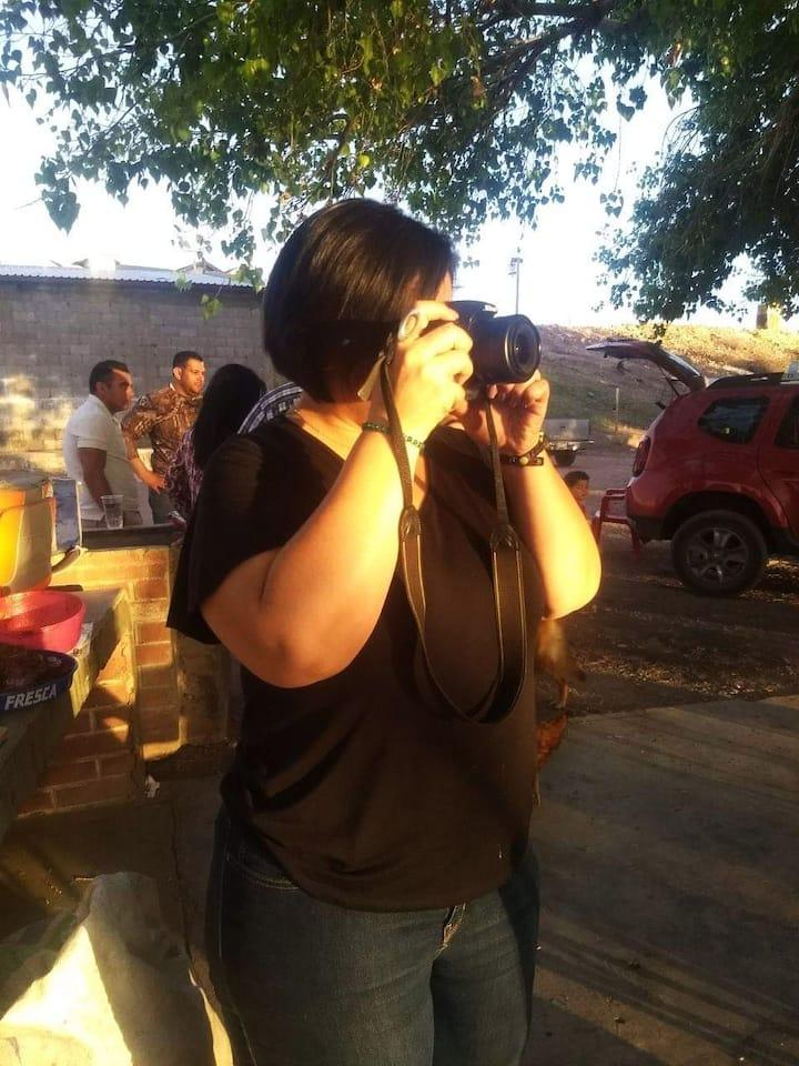 Con mi mejor alida, la cámara