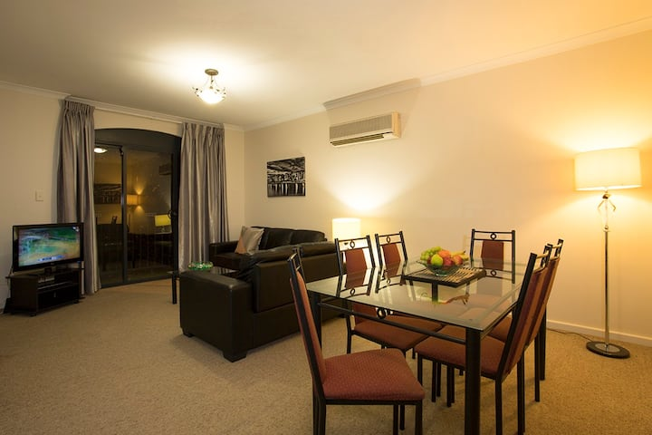 Two Bedroom Apartment – 1 Queen & 2 Single Bed / 2n 10%