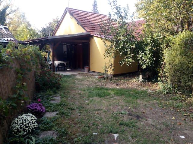 Charming Cottage at Ada Ciganlija