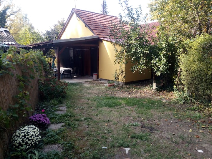 Charming Cottage at Ada Ciganlija