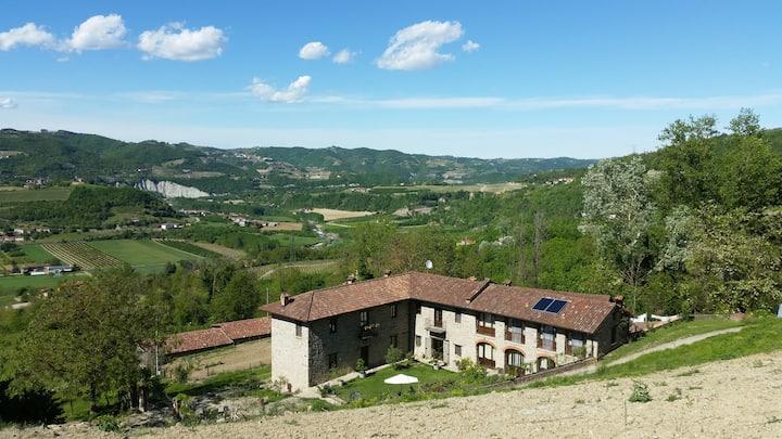 Villa di campagna in pietra 3 camere con giardino