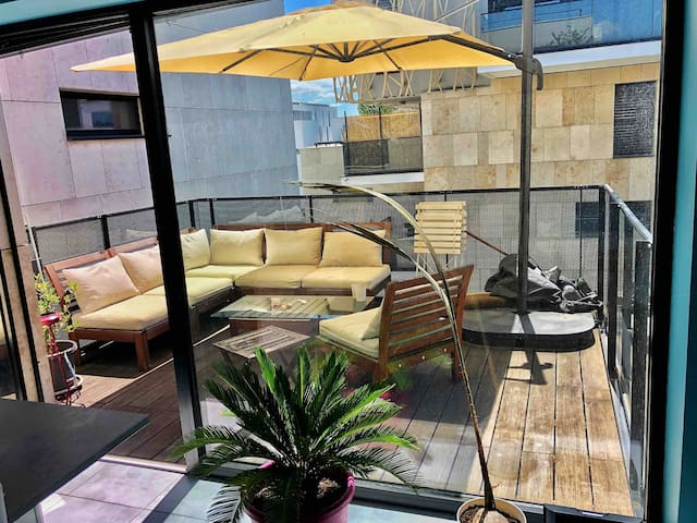 STUDIO CONFLUENCE 6ème étage + terrasse sud