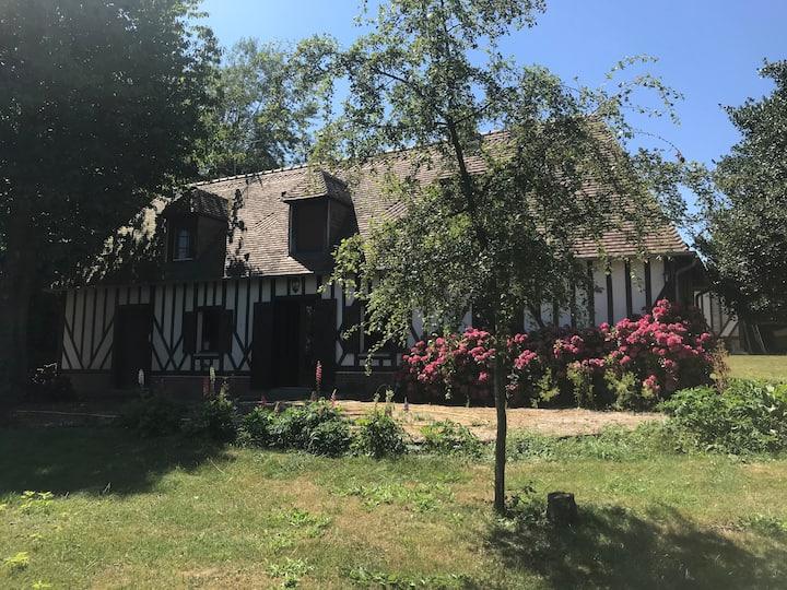 Gîte des Hortensias, maison normande à la campagne