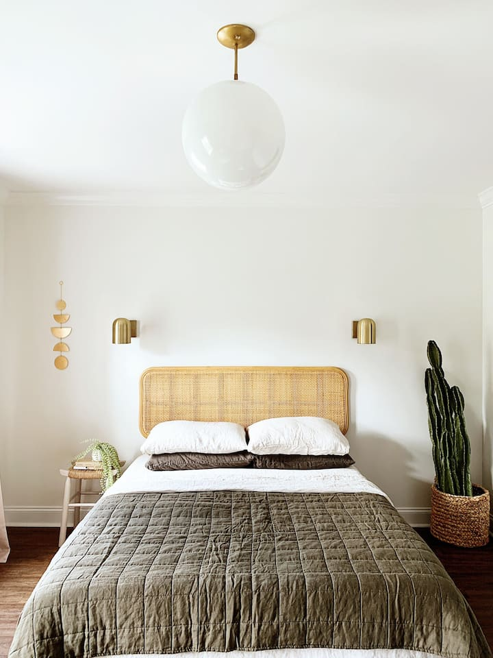 Relax in Zen and Simplicity - Female Guest Only