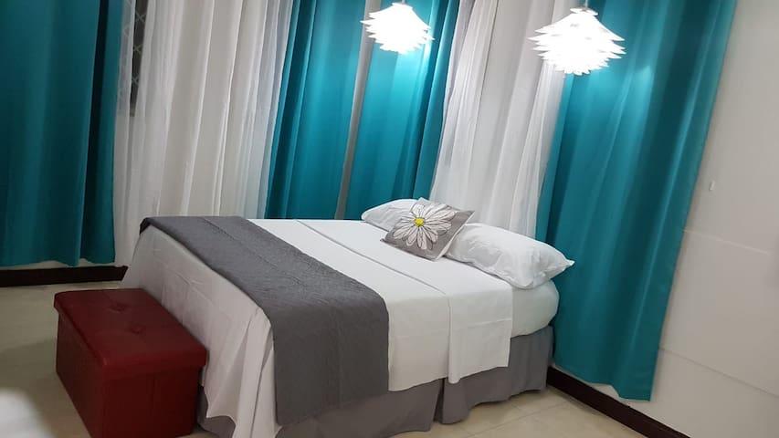 Renovated 1 Bedroom near Universities