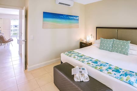 separate bedroom with king bed - can be 2 king single beds, airconditioned and ceiling fan