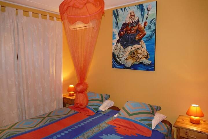 Chambre 2 lits simples 100X200
