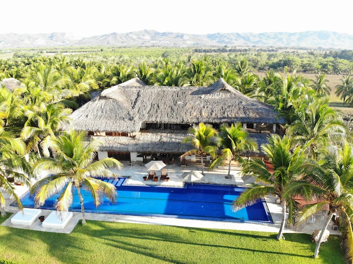 Luxury Oceanfront Estate 25m Pool, best situated.