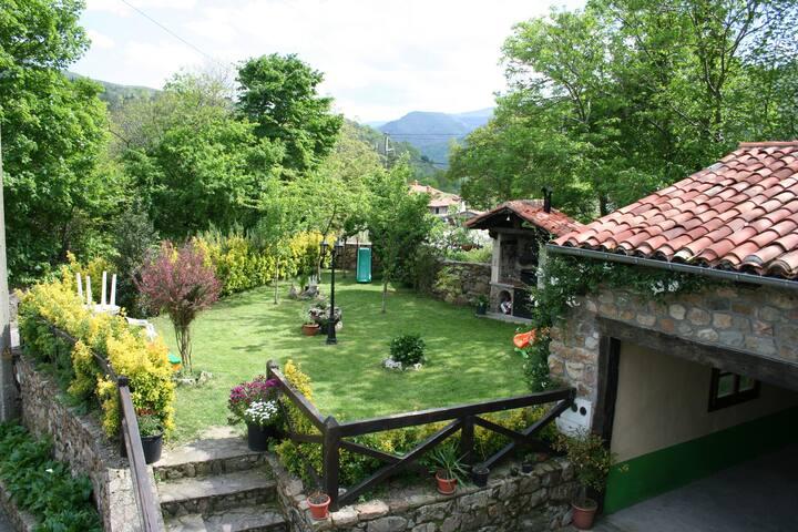 Casa Rural   CASA  CABORZAL  para 8 personas
