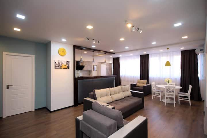 Yellow 2 BED Apartment at Davidians